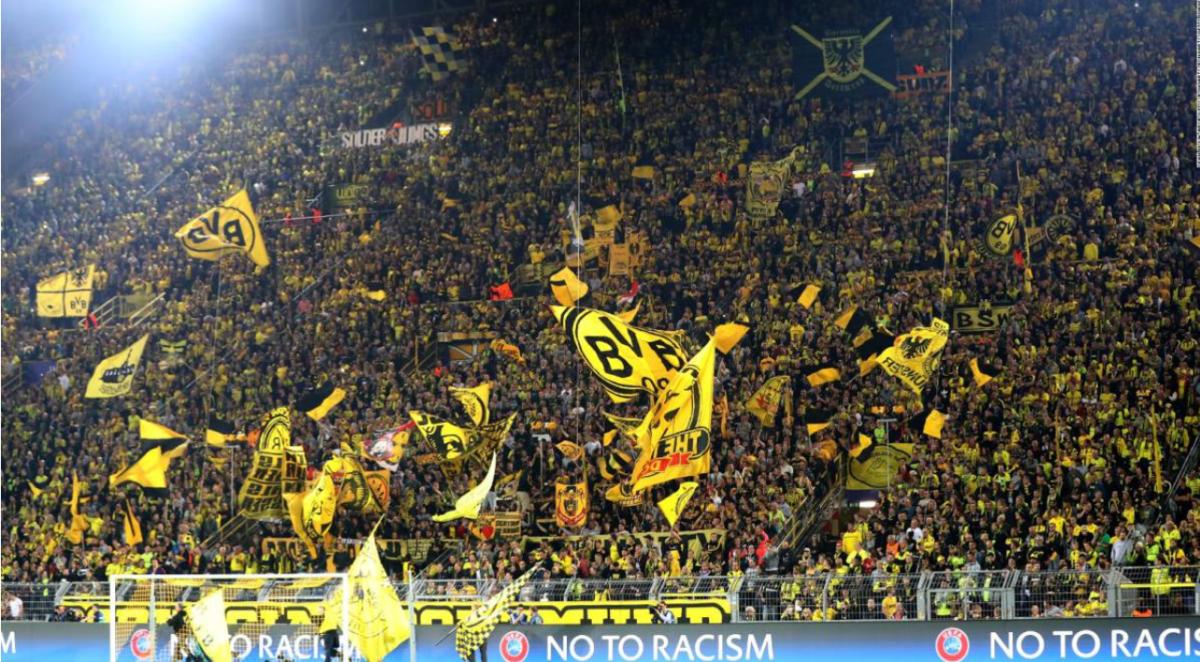 Bundesliga: Borussia Dortmund-VfL Wolfsburg już od 775 zł! (przelot+bilet na mecz+nocleg)